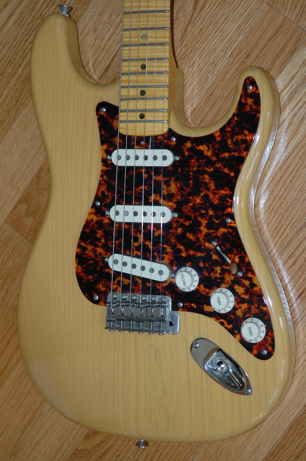 DeTemple '56 Strat   2005 Trans-Butterscotch