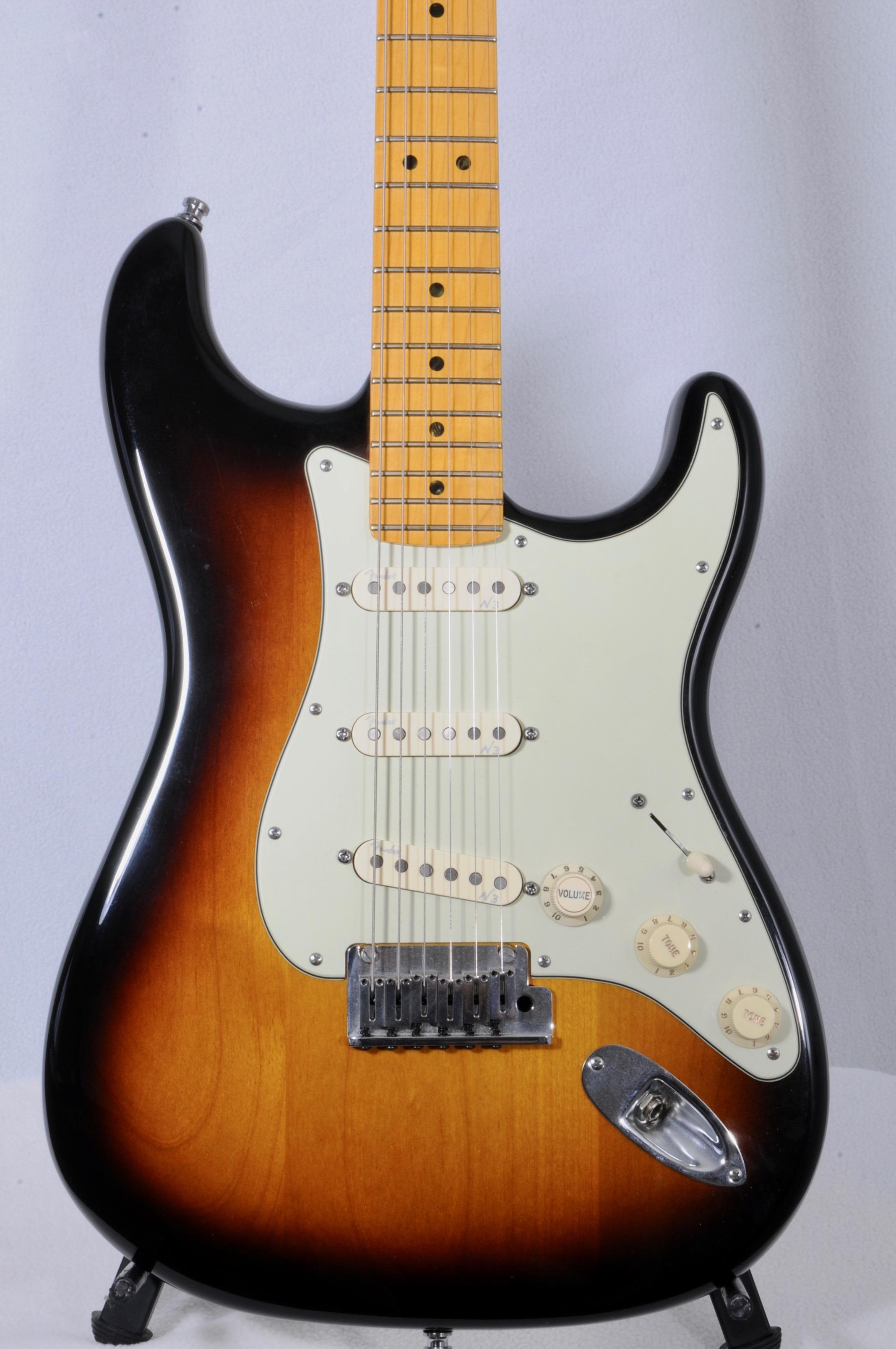 2011 Fender Deluxe American V-Neck Strat