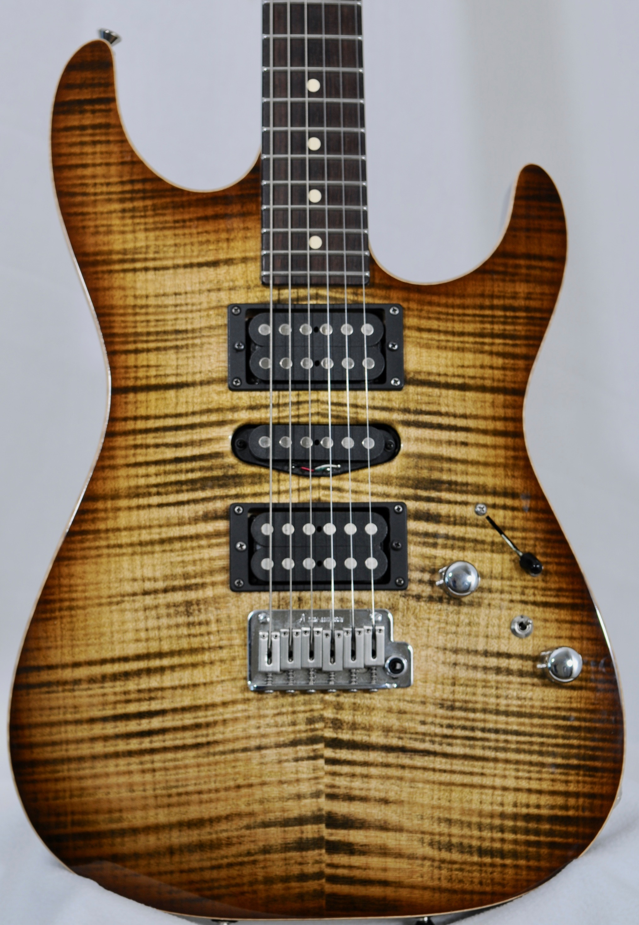 Tom Anderson Drop Top – Light Tiger Eye Burst!