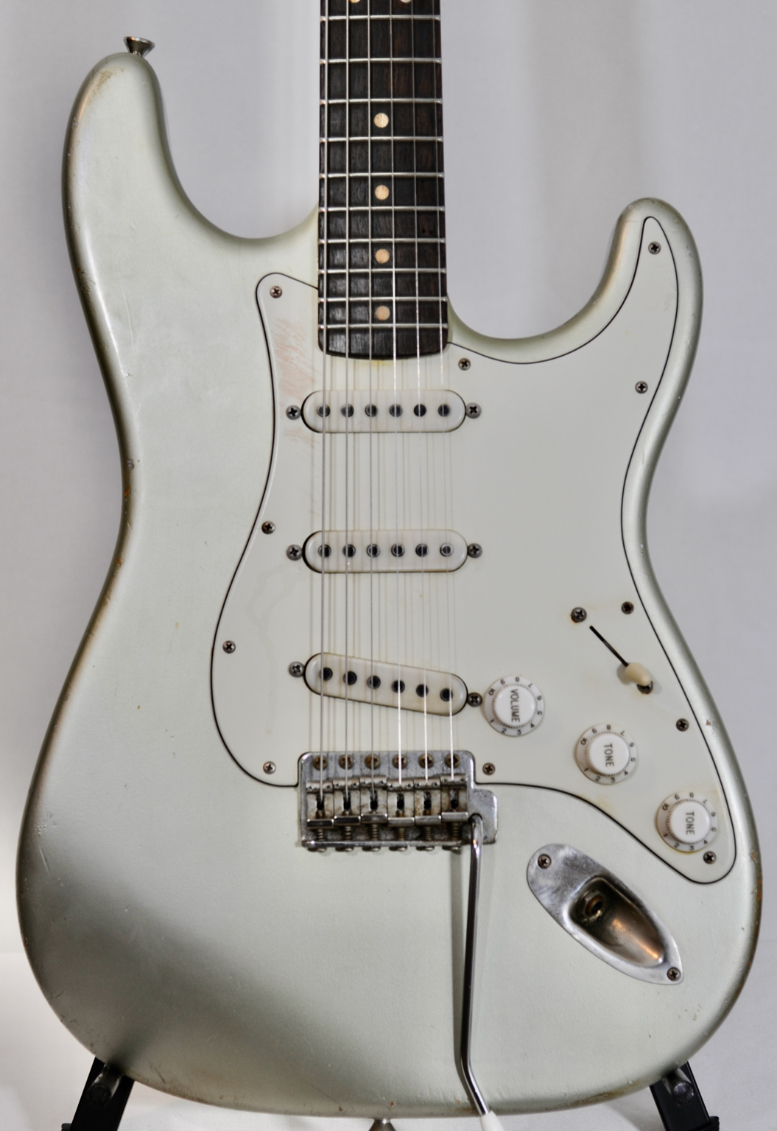 Danocaster STRAT – How COOL is Inca Silver! This one sounds FAT!