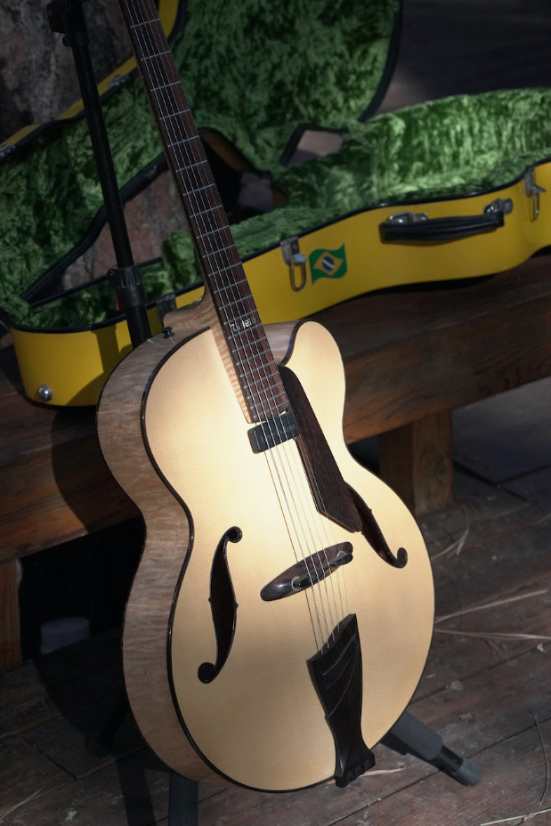 Taku SAKASHTA 17″ Archtop – Loaded with BRAZILIAN ROSEWOOD!